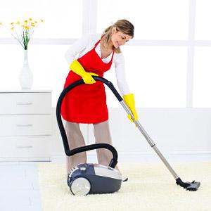 Нанимать ли домработницу