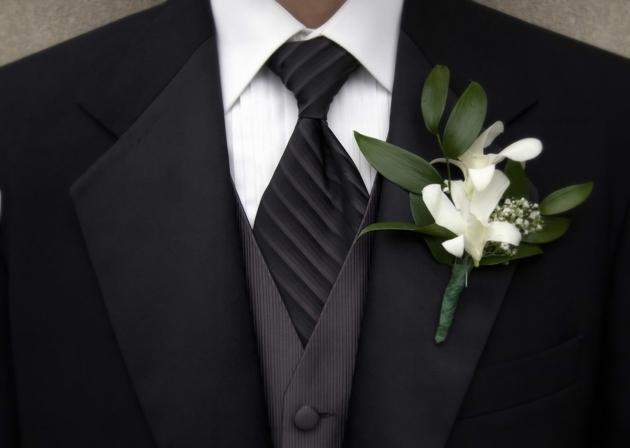 Выбор мужского свадебного костюма
