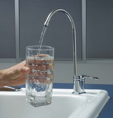 Помогают ли фильтры очищать воду