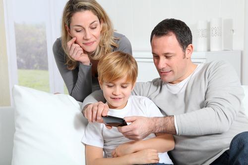 Советы по выбору мобильного телефона для ребенка