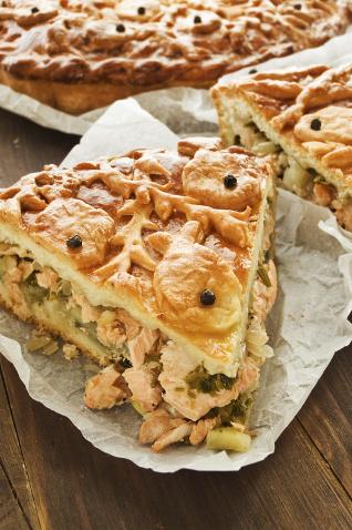 Лоранский пирог с семгой