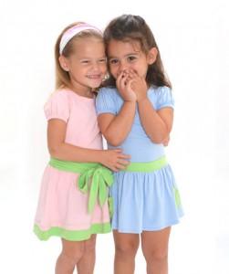 Как правильно выбрать одежду для девочек