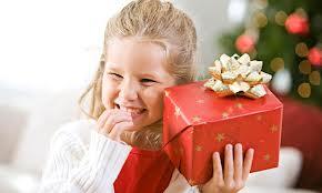 Как выбрать ребенку сладкий подарок