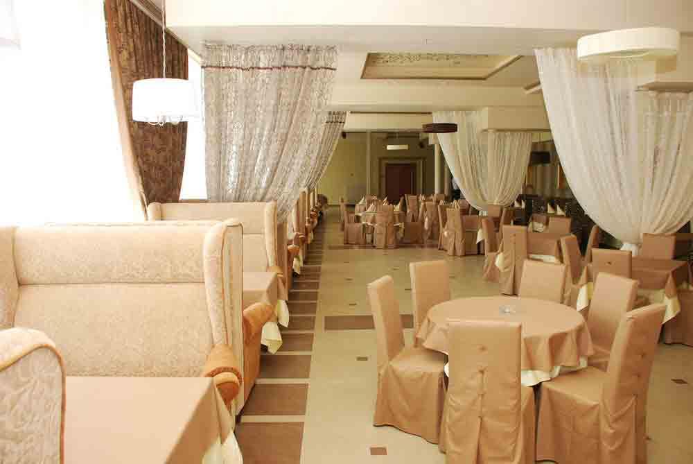Какую мебель выбрать для ресторана и кафе