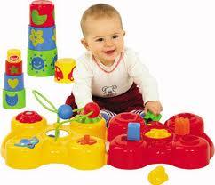 Как правильно выбрать игрушку для малыша