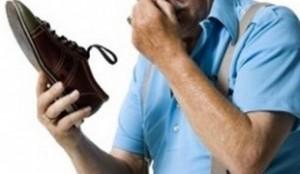 избавиться от запаха в обуви