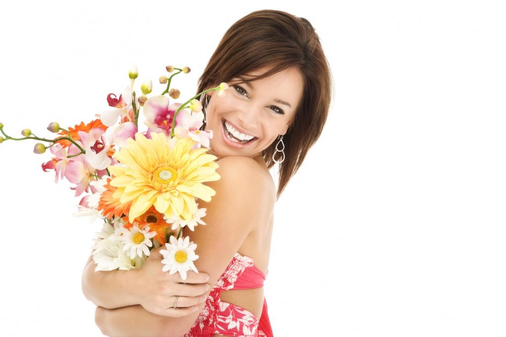 Как правильно дарить женщинам цветы
