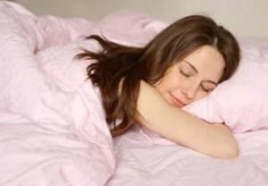 Как улучшить свой сон при помощи народных средств