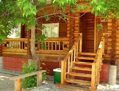Особенности возведения бани из деревянного бруса