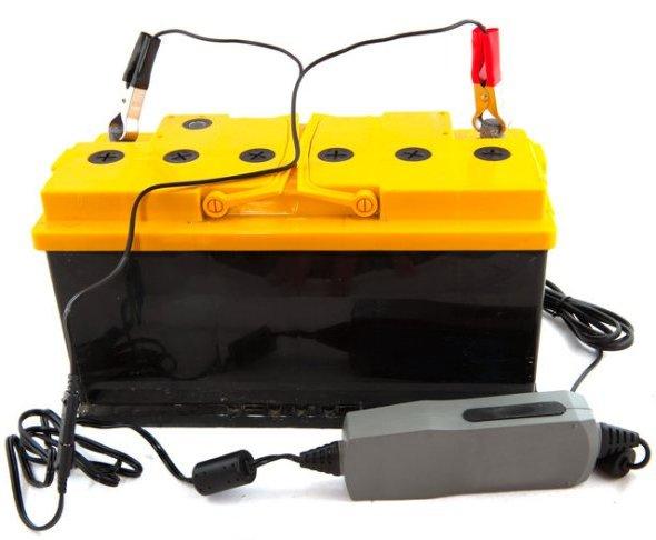 Как правильно заряжать аккумулятор