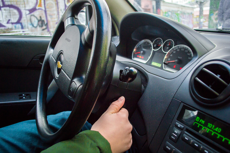 Как правильно завести машину