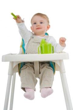 Советы по выбору стульчика для кормления малыша