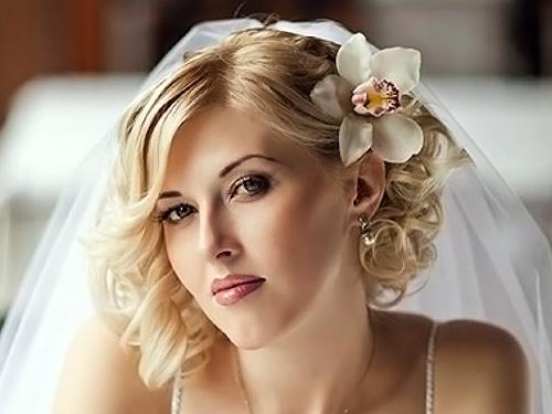 Модные свадебные прически на короткие волосы