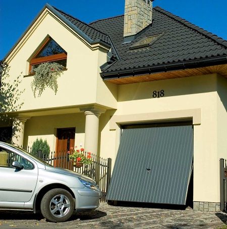 Преимущества подъемных гаражных ворот