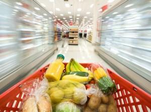 Как не купить к празднику испорченные продукты