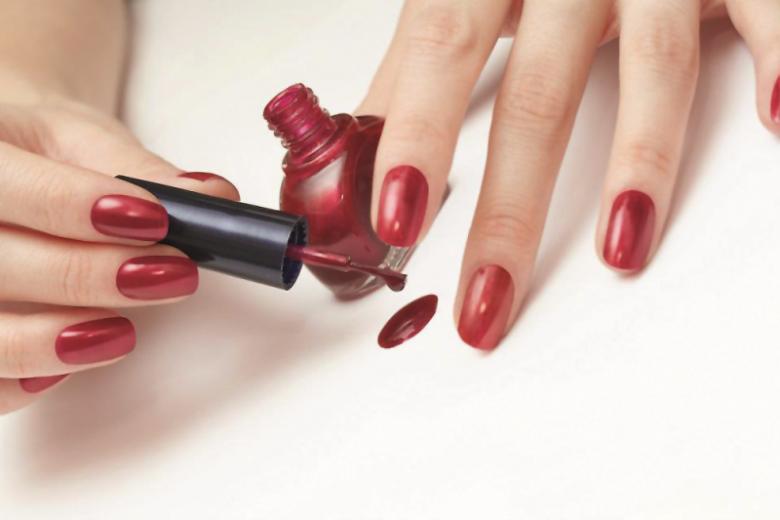 Как научиться аккуратно красить ногти