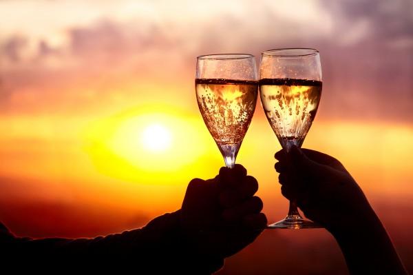 Как приготовить домашнее шампанское
