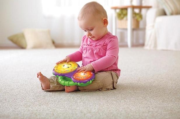Игры с ребенком в возрасте от трех до шести месяцев