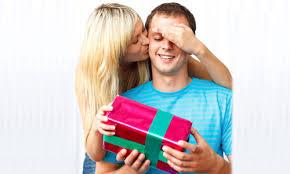 Выбираем подарок мужчинам на 23 февраля