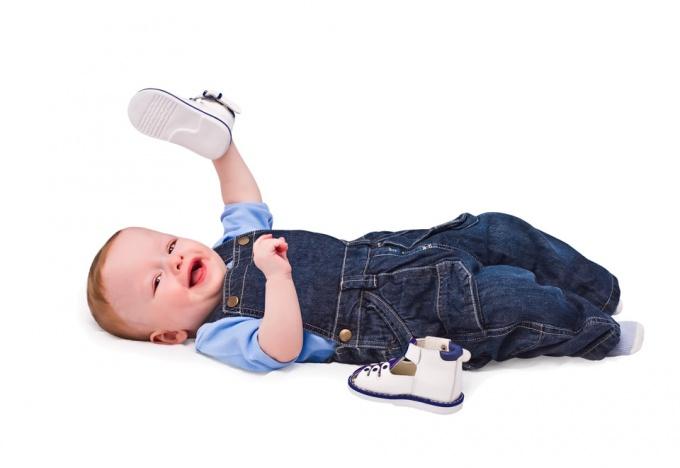 Выбор детской обуви: советы ортопеда
