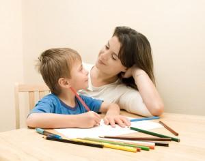 Как правильно выбрать ребенку няню