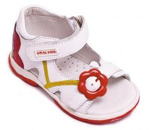 первая обувь малышей
