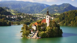 эмигрировать в Словению