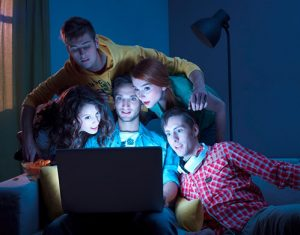Какой фильм посмотреть с друзьями
